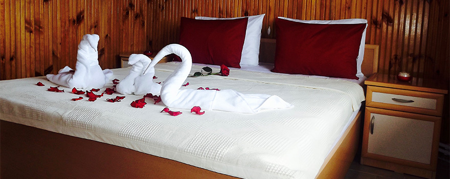 <strong>Romantİk Odalarımız</strong>